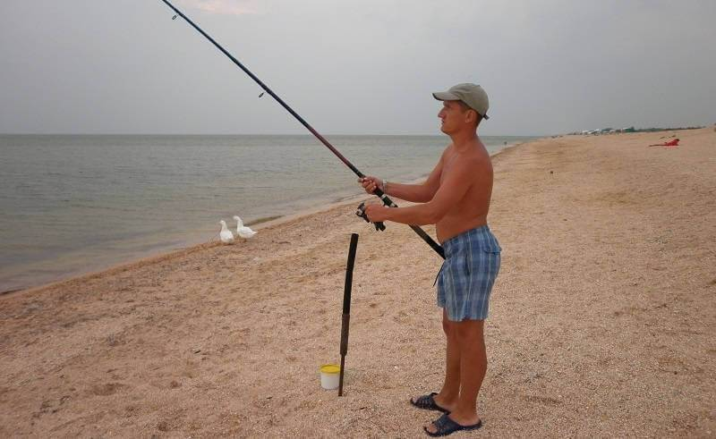 Рыбалка в ейске (в августе или сентябре) на азовском море, видео