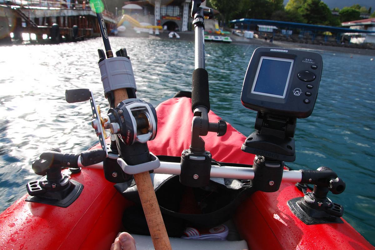 Рыбалка на спиннинг   спиннинг клаб - советы для начинающих рыбаков как закрепить спиннинг на лодке пвх - дельные советы
