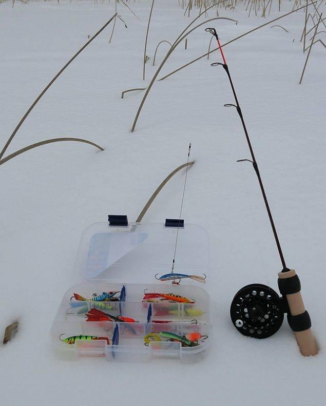 Зимняя поплавочная удочка: способы оснастки, особенности ловли,