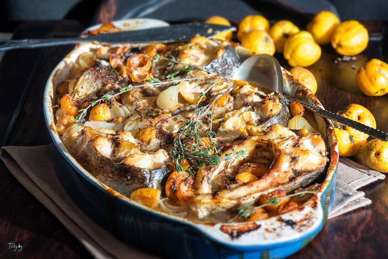 Толстолобик запеченный в духовке целиком - вкусный рецепт - дары моря