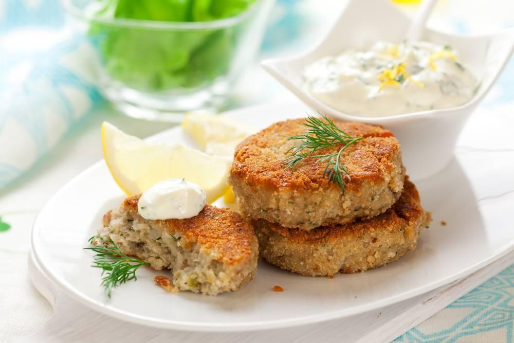 """Рыбные котлеты из карасей """"легкие"""" – кулинарный рецепт"""
