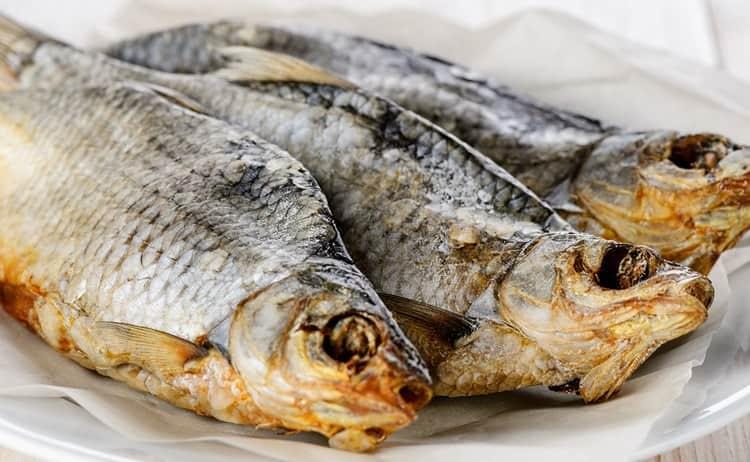 Как солить речную рыбу: способы переработки улова
