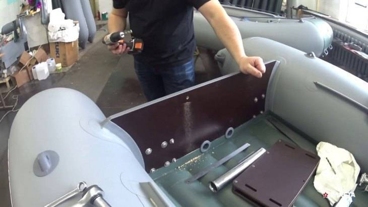 Как правильно закрепить транец под мотор на лодке из пвх