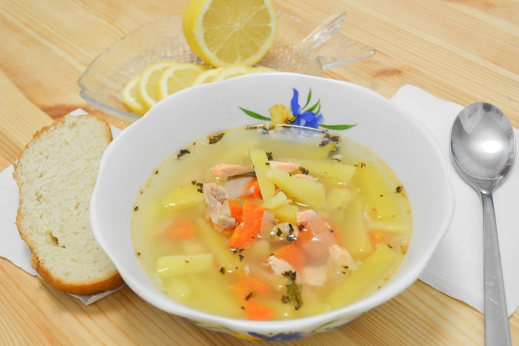 Уха из головы и хвоста форели: этапы приготовления, как сварить классический рыбный суп
