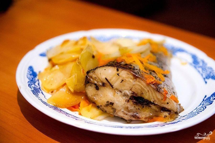Рыба, запеченная в духовке с картошкой: простые рецепты блюд