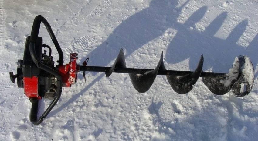 Выбираем ледобур для зимней рыбалки: какой правильный?
