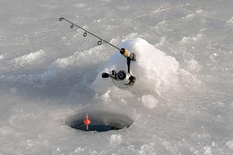 Рыбалка на покаток зимой