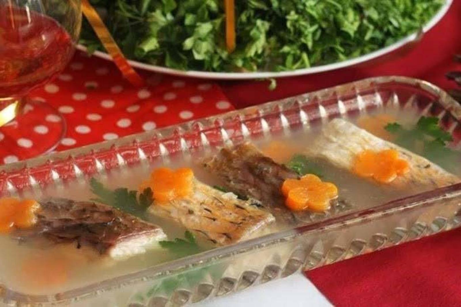 Заливное из курицы с желатином - 7 праздничных рецептов
