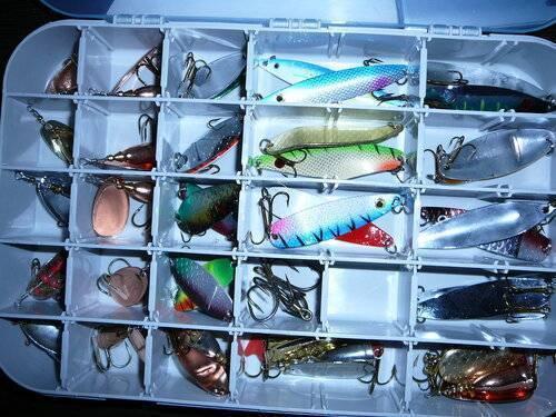 Заводские или самодельные ящики для летней рыбалки