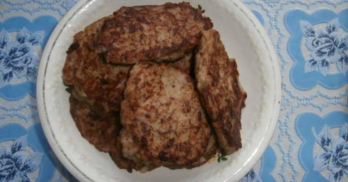 Котлеты из рыбных консервов - очень вкусные рецепты с рисом, манкой и картофелем