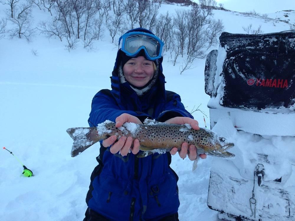 Рыбалка в карелии: зимняя и летняя, куда поехать на рыбалку в карелию