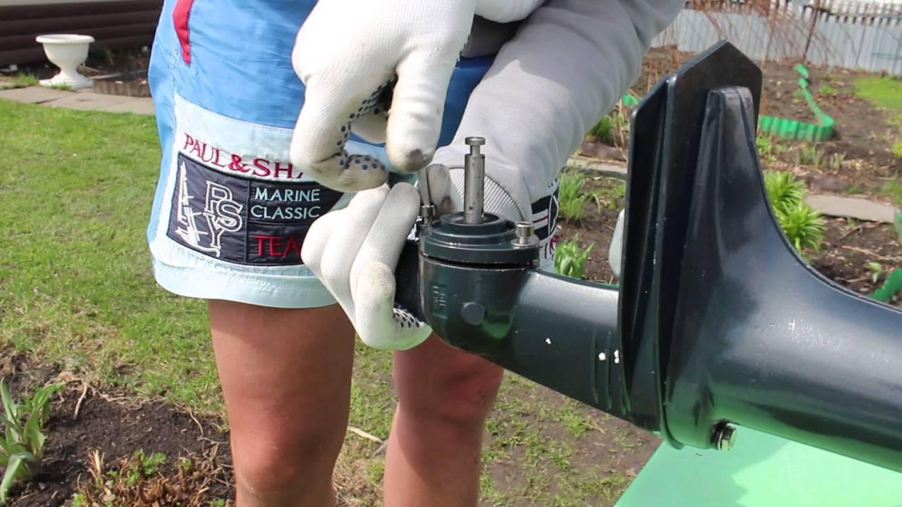Какое масло заливать в редуктор лодочного мотора?