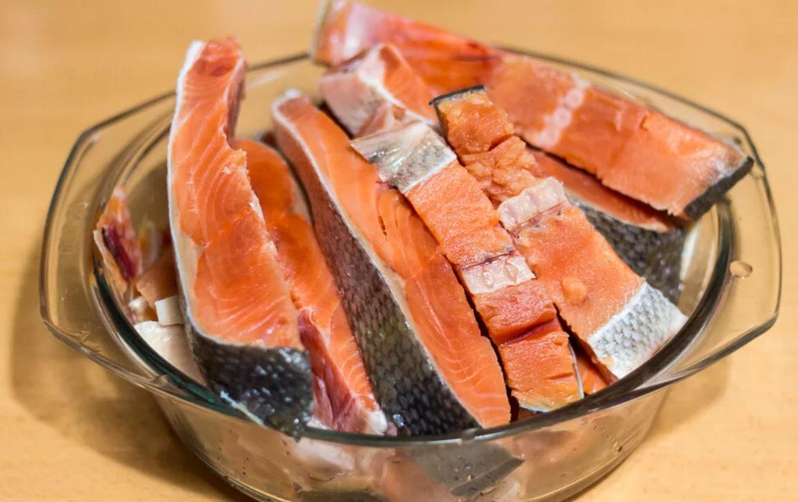 Солёный кижуч в домашних условиях: правила выбора рыбы, подготовка филе, популярные рецепты засола
