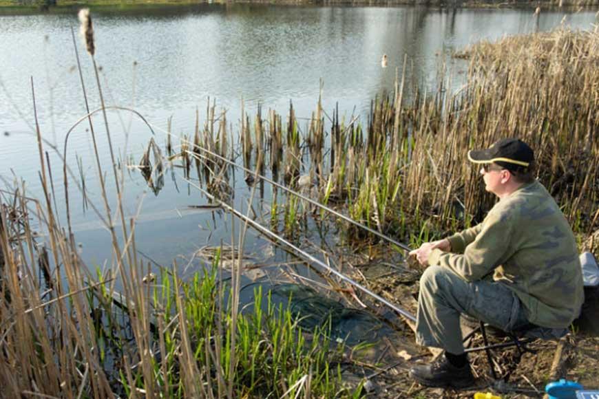 Ловля рыбы в мутной воде весной