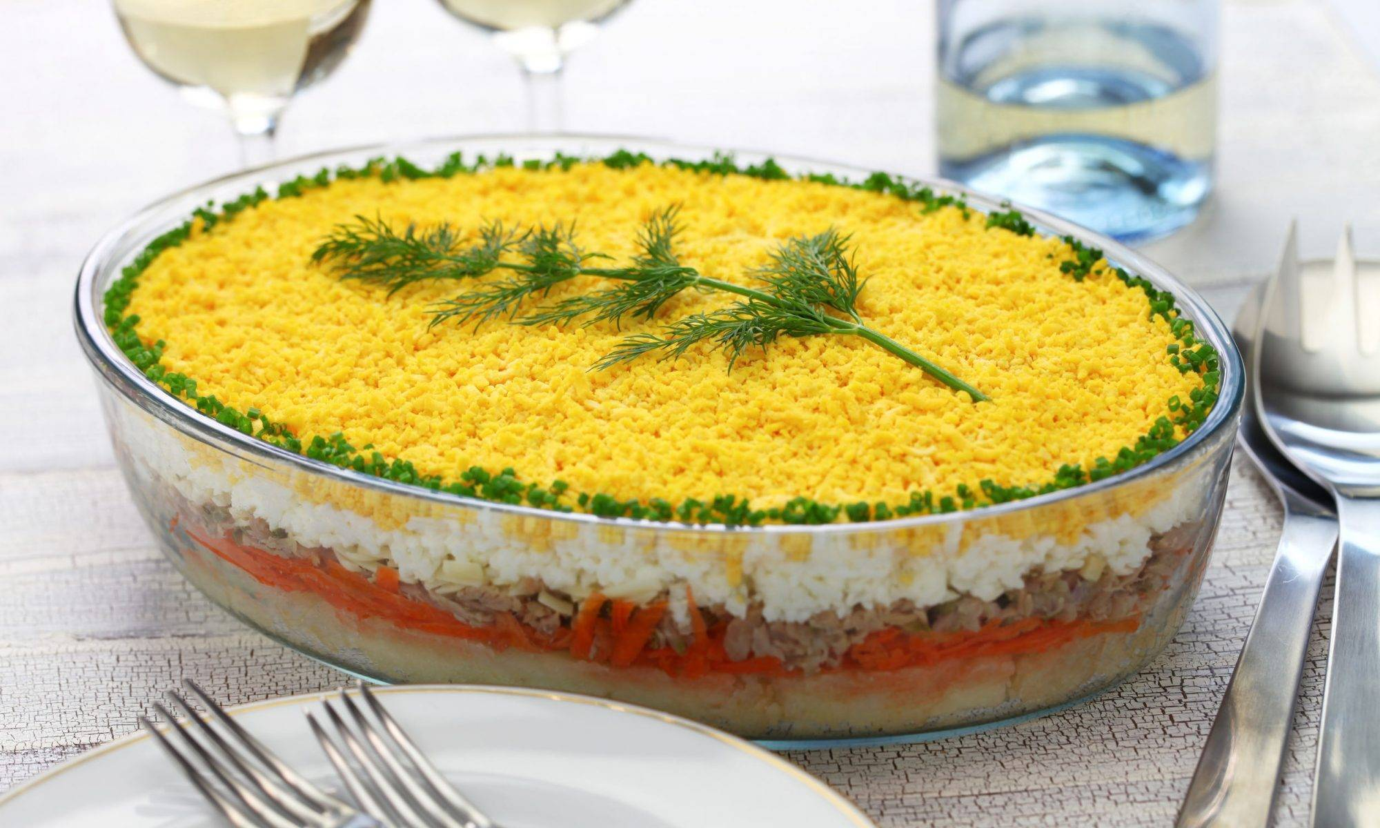 Салат мимоза с рыбными консервами — 6 классических рецептов