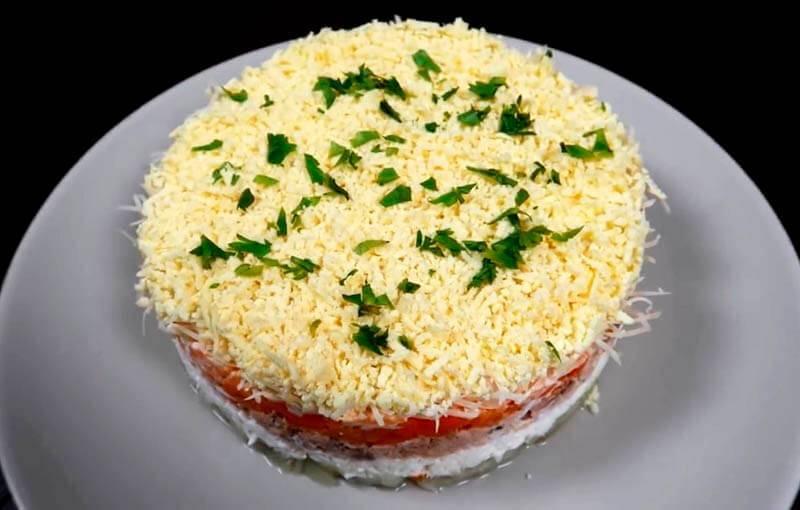 Салат мимоза классический с консервой рецепт с фото пошагово - 1000.menu