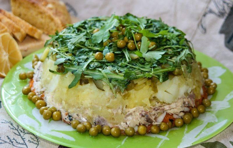Салат из рыбных консервов — готовим рыбный салат быстро и вкусно