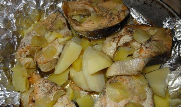 Запеченная рыба с картошкой в духовке - 131 домашний вкусный рецепт