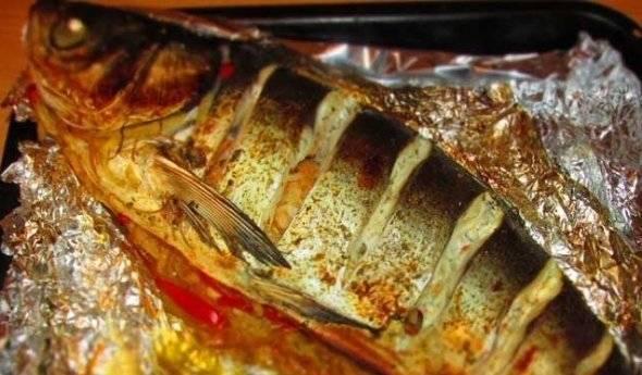 Толстолобик запеченный в духовке целиком - вкусный рецепт