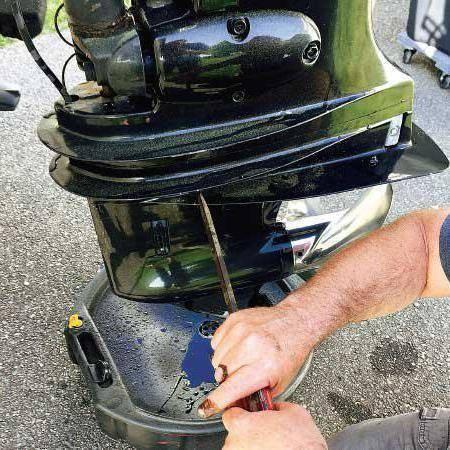 Как поменять масло в лодочном моторе: пошаговый инструктаж по замене масла в редукторе