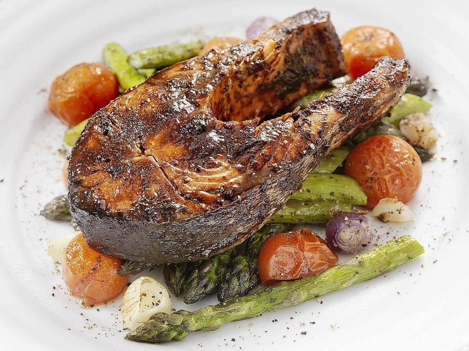 Лосось на гриле: рецепты, калорийность, как правильно приготовить