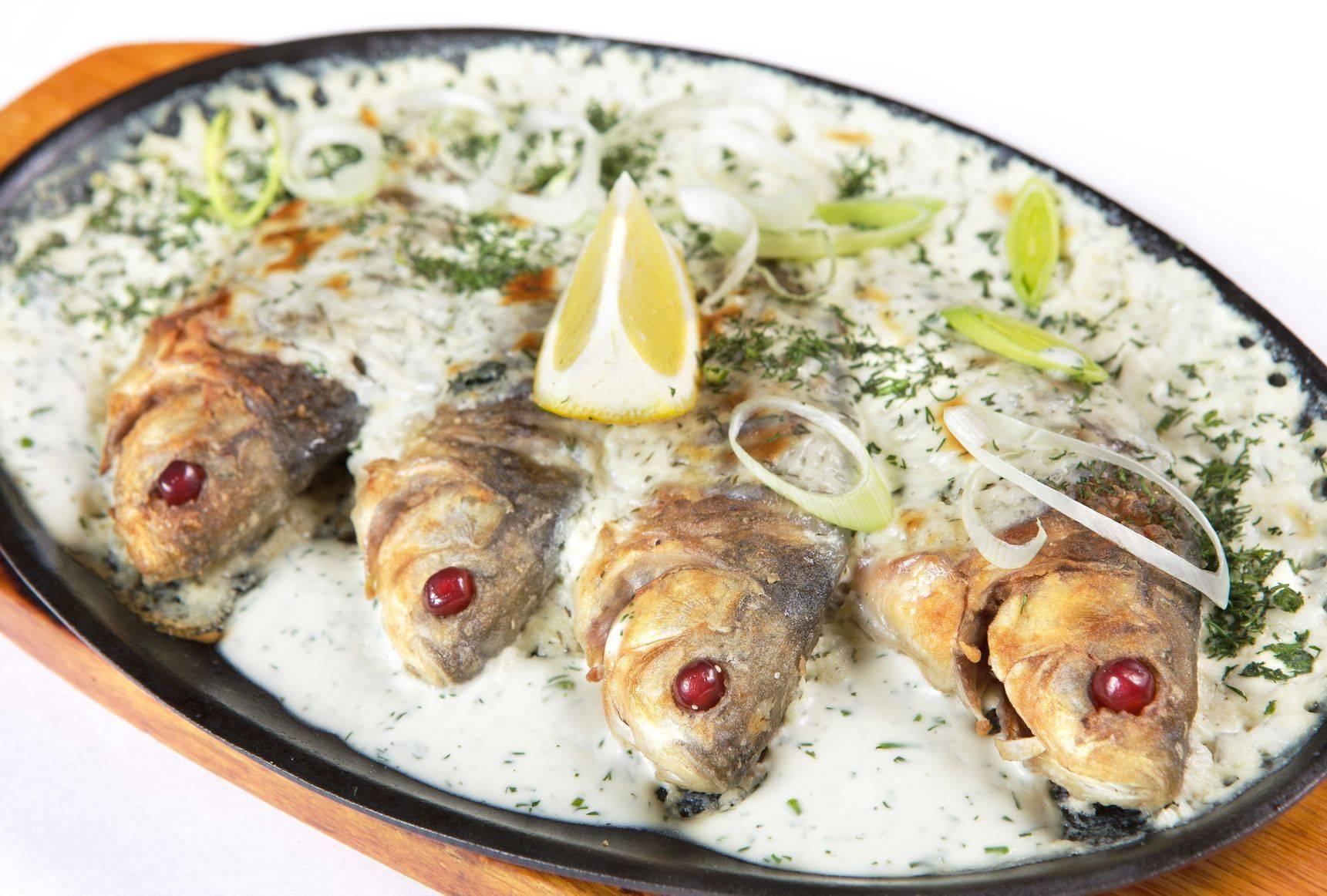 Карась в сметане / блюда из карася / tvcook: пошаговые рецепты с фото