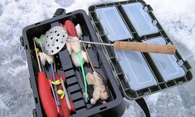 Что нужно для зимней рыбалки: с чего начать, выбор аксессуаров, одежды и снастей для начинающих рыболовов