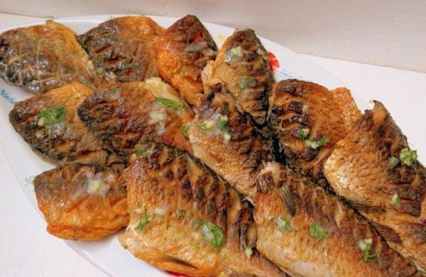 Как приготовить карася без костей - рецепты, как вкусно готовить рыбу