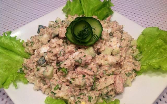 Салат с консервированной сайрой - 6 пошаговых фото в рецепте