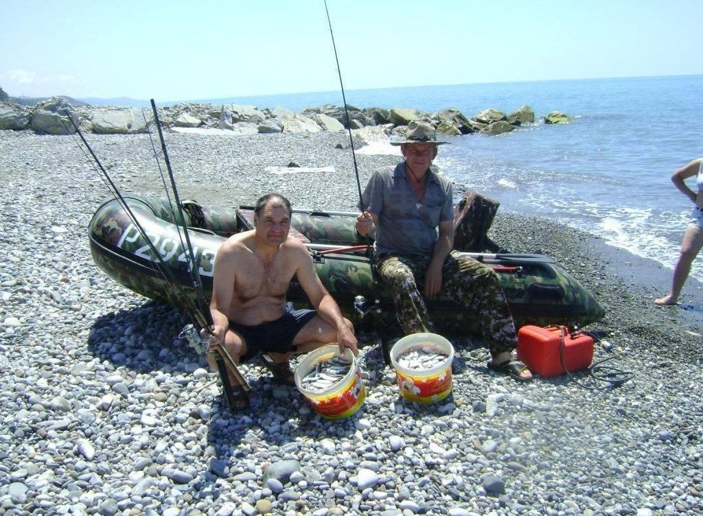 Рыбалка в геленджике на черном море с берега и лодки- яхты фото видео