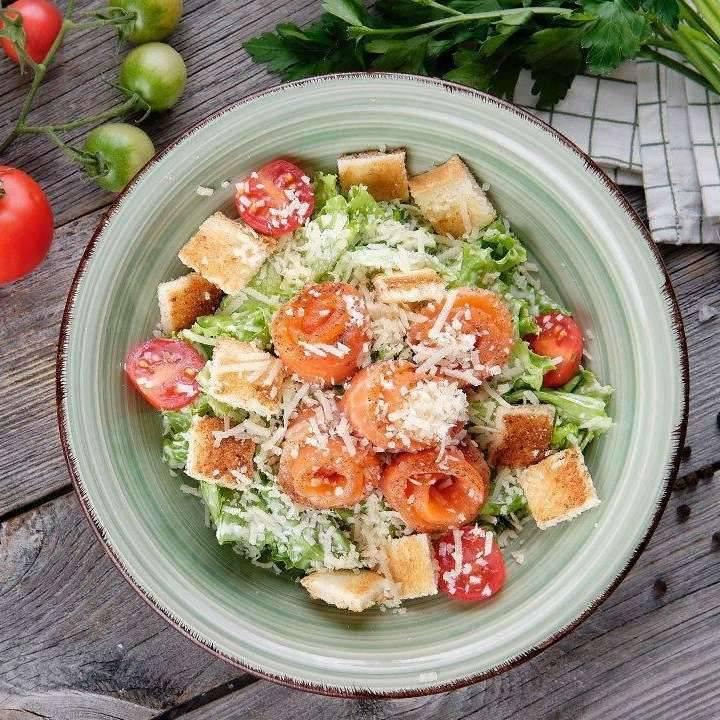 «цезарь» с семгой - рецепты соуса и блюда с соленой, жареной и копченой рыбой