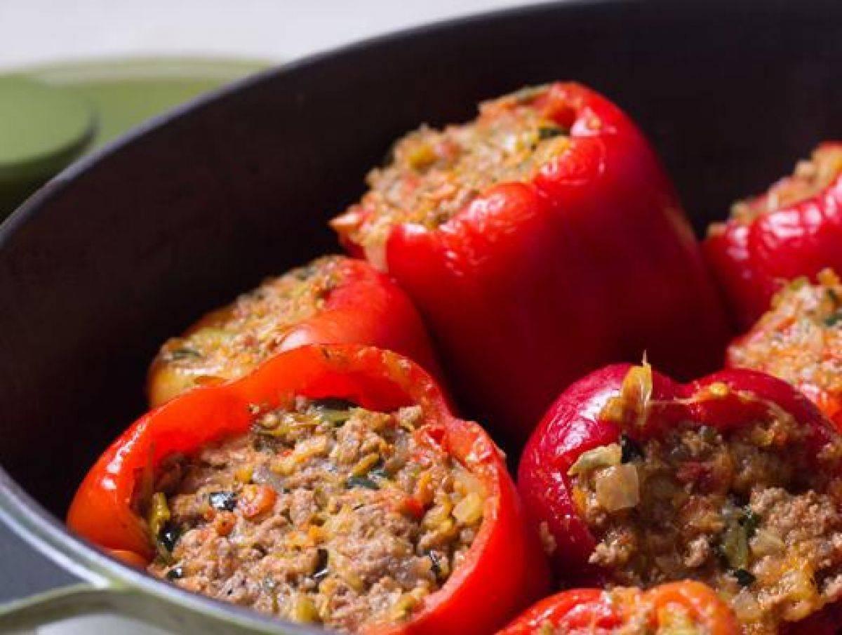 Как приготовить вкусный фаршированный перец с рисом и мясом ? кулинарные рецепты