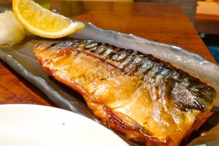 Скумбрия в фольге на мангале: рецепты, как приготовить запеченную рыбу на углях