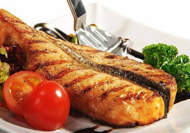 Стейк из лосося с розмарином и соком лайма на гриле рецепт с фото - 1000.menu