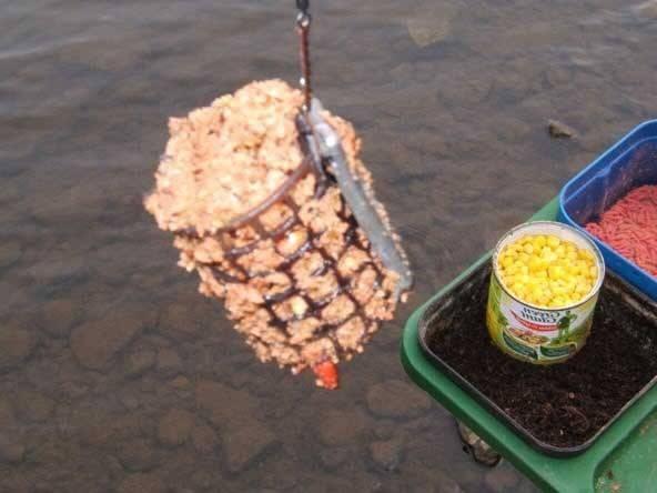 Прикормка для ловли на фидер в стоячей воде и на течении + видео