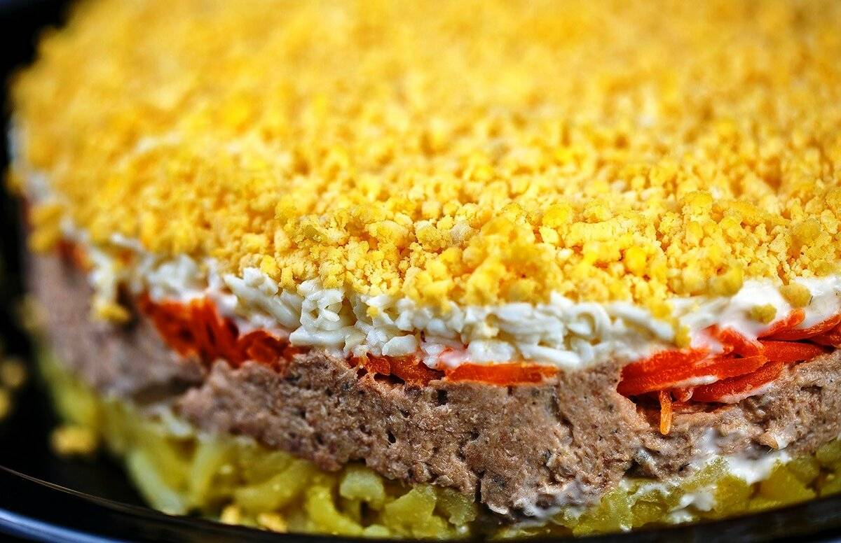 Салат мимоза: 5 вкусных рецептов с консервами, формовка блюда
