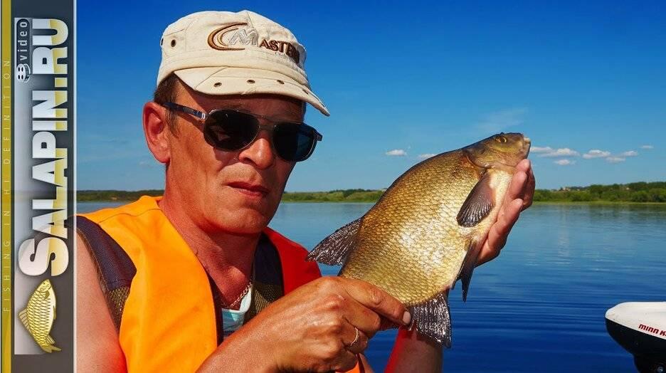 Ловля леща с лодки бортовыми удочками на озере Плещеево. Экшн-рыбалка.