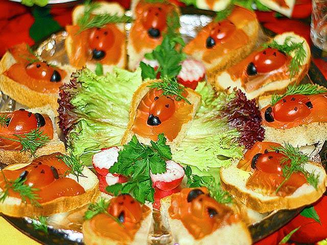 Бутерброды с красной рыбой на праздничный стол - простые и вкусные!