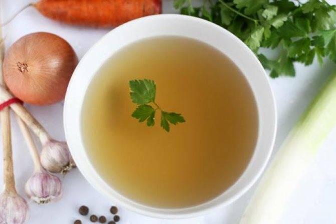 Суп для детей в качестве первого прикорма - прекрасный бульон!