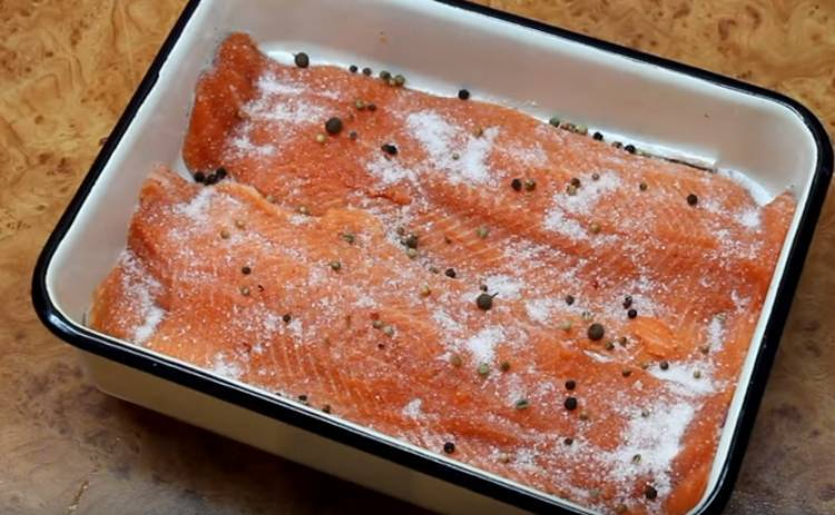 Соленая мелкая рыба