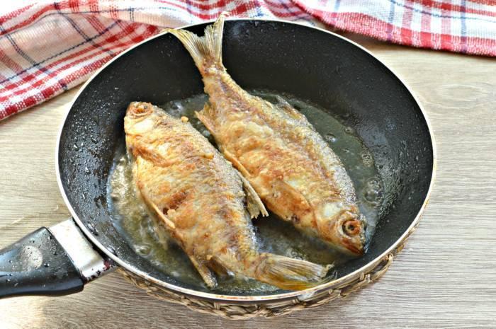Запеченная рыба линь