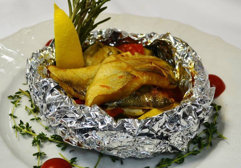 Как приготовить рыбу в духовке в фольге