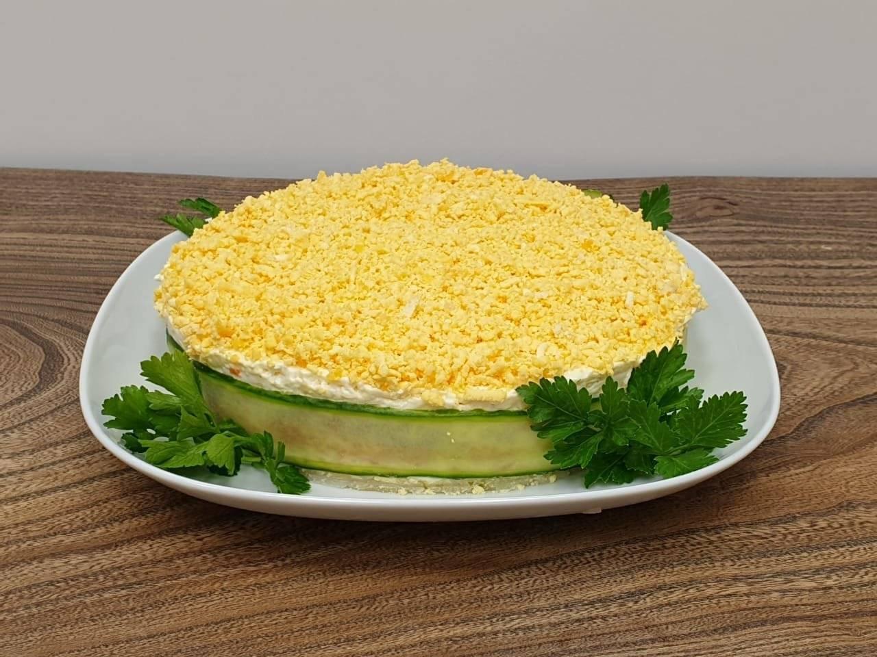 Салат мимоза с консервами — классические рецепты приготовления