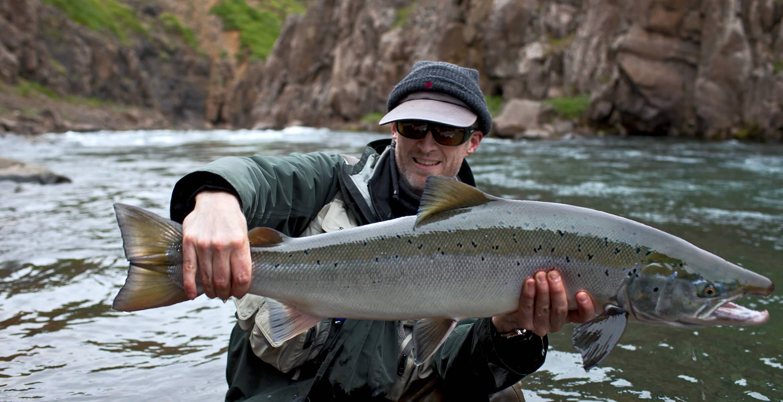 Рыбалка в карелии. ловля лосося на спиннинг. fishing in karelia. salmon fishing spinning