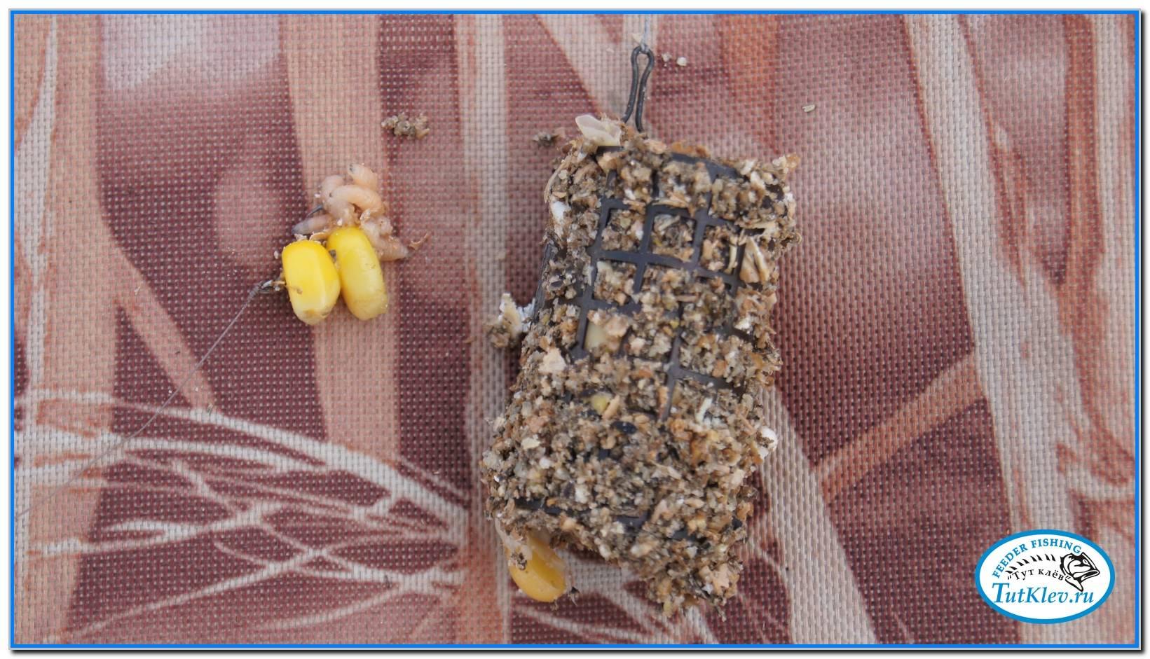 Как насаживать кукурузу на крючок
