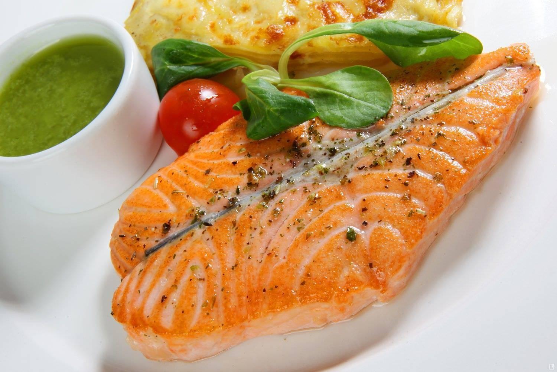 Стейк из лосося на гриле рецепт с фото пошагово - 1000.menu