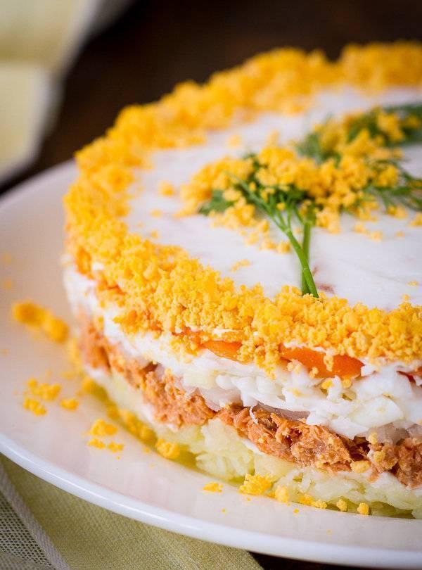 5 крутых рецептов салата «мимоза»: от классики к экспериментам - лайфхакер