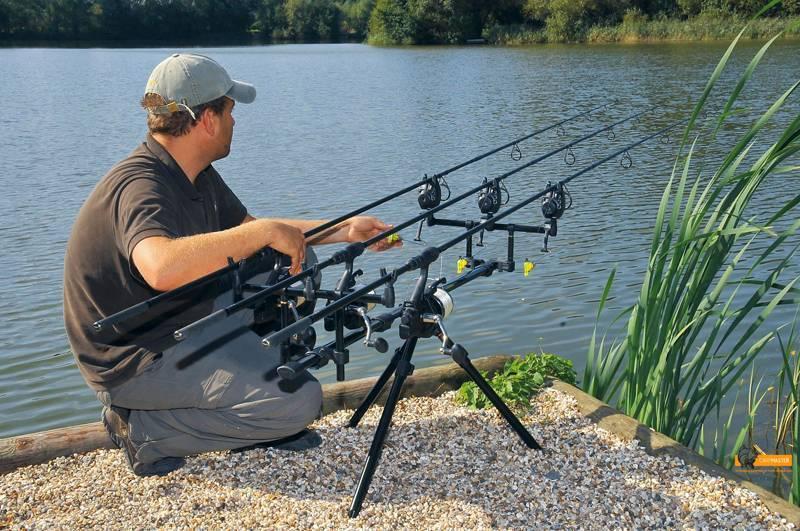 Тонкости рыбалки среди речных коряг