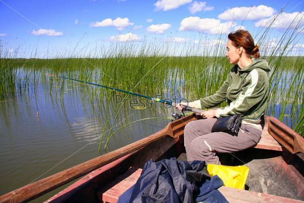 Видеть как другие ловят рыбу на удочку