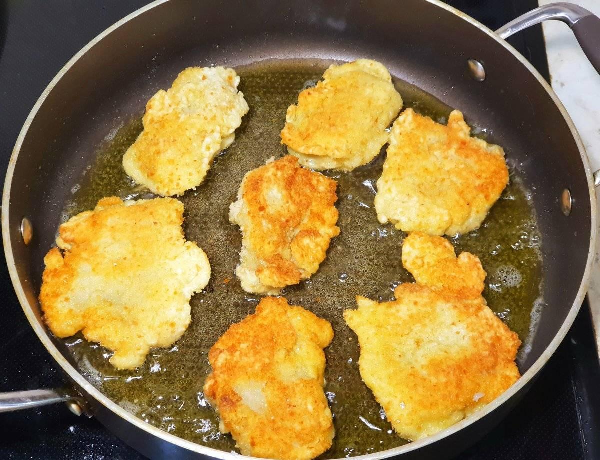 Минтай в кляре — рецепты жареного филе рыбы на сковороде